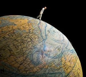 walkingOnEarth-Globe-1